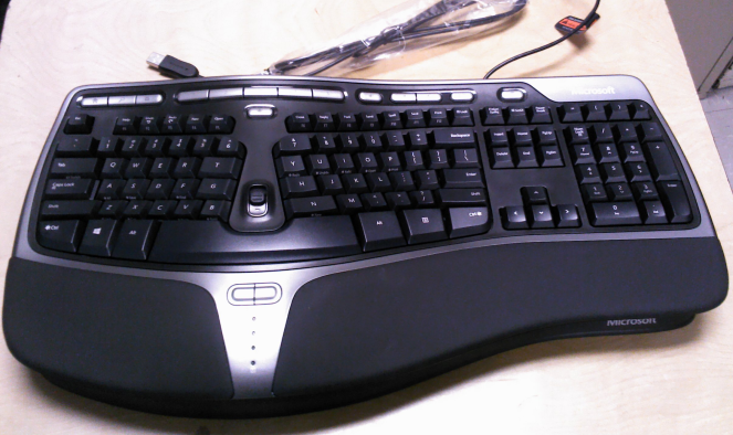 Microsoft_Natural_Ergonomic_Keyboard_4000